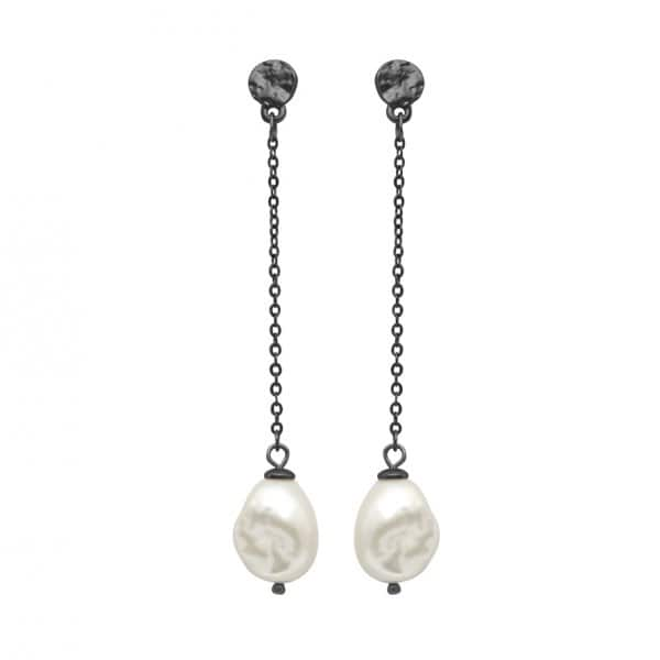 'Audrey' Chain Earrings, with a Black chain and a Freshwater Pearl stone, in Hematite. By Dansk Copenhagen