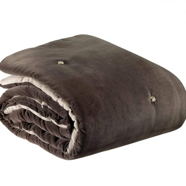 'Elise' Knotted Throw, made from 100% Cotton and hand quilted, and presented in Cacao. By Vivaraise of France