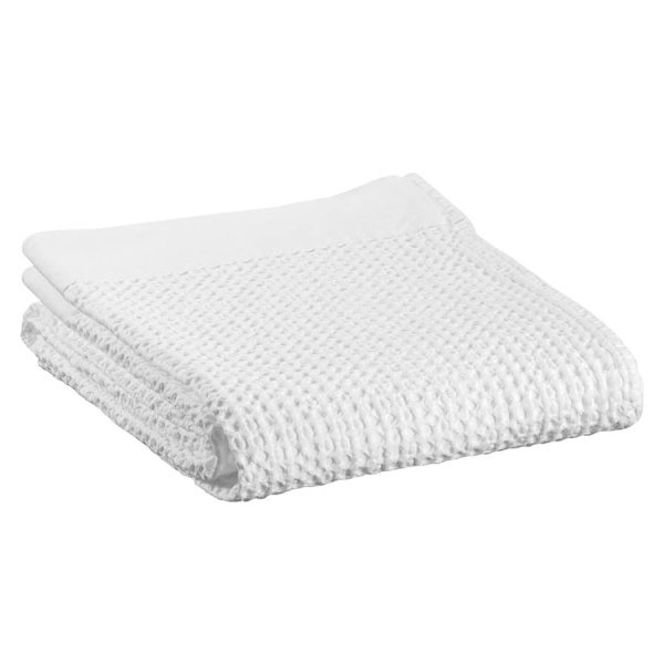 Nagari Towel range, stone-washed, made in Portugal from 100% Cotton, and presented in Neige (Snow). By Vivaraise of France