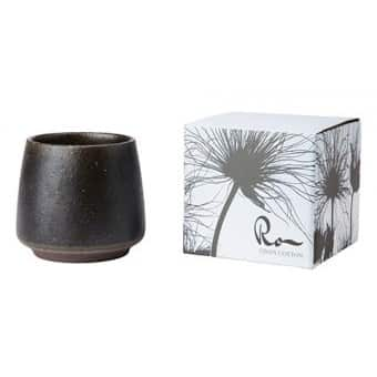 'RO' Soy Wax Scented Candle, in a Ceramic Pot, scented with Linnen & Cotton. By Affari of Sweden