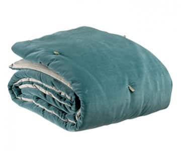 'Elise' Knotted Throw, made from 100% Cotton and hand quilted, and presented in Vert de gris. By Vivaraise of France